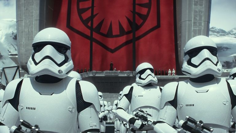 """Star Wars: The Force Awakens"" Breaks US Advance Ticket Sales Record"